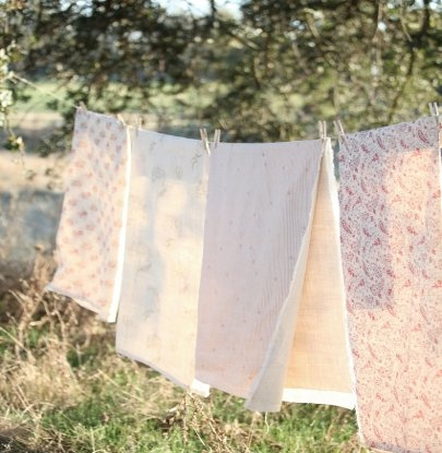line dryingGardens Outside, Schools Night, Fresh Air, Add Fresh, Pink Beestrip, Linens Dry, Hanging Laundry