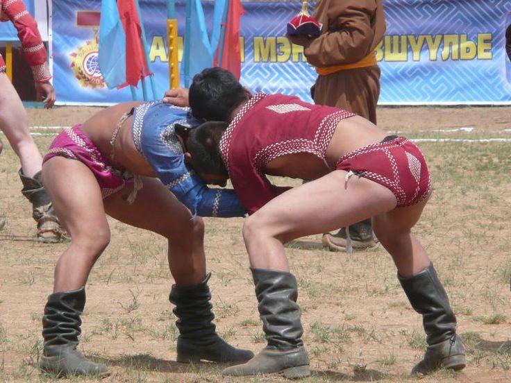 ユーラシア旅行社のモンゴルツアーでは、ナーダム祭にもご案内!