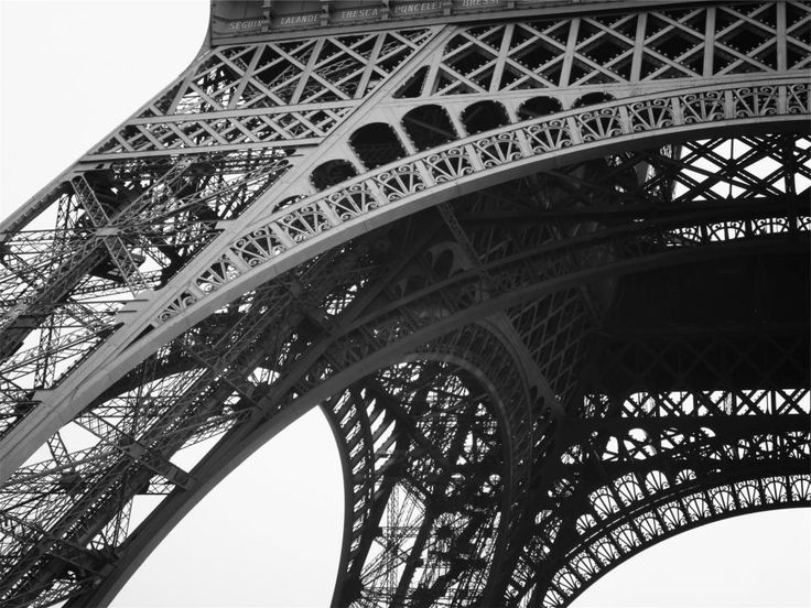 Eiffel Tower architecture black and white -  Eiffel Tower architecture black and white free stock photo Dimensions:2365 x 1774 Size:1.00 MB  - http://www.welovesolo.com/eiffel-tower-architecture-black-and-white/