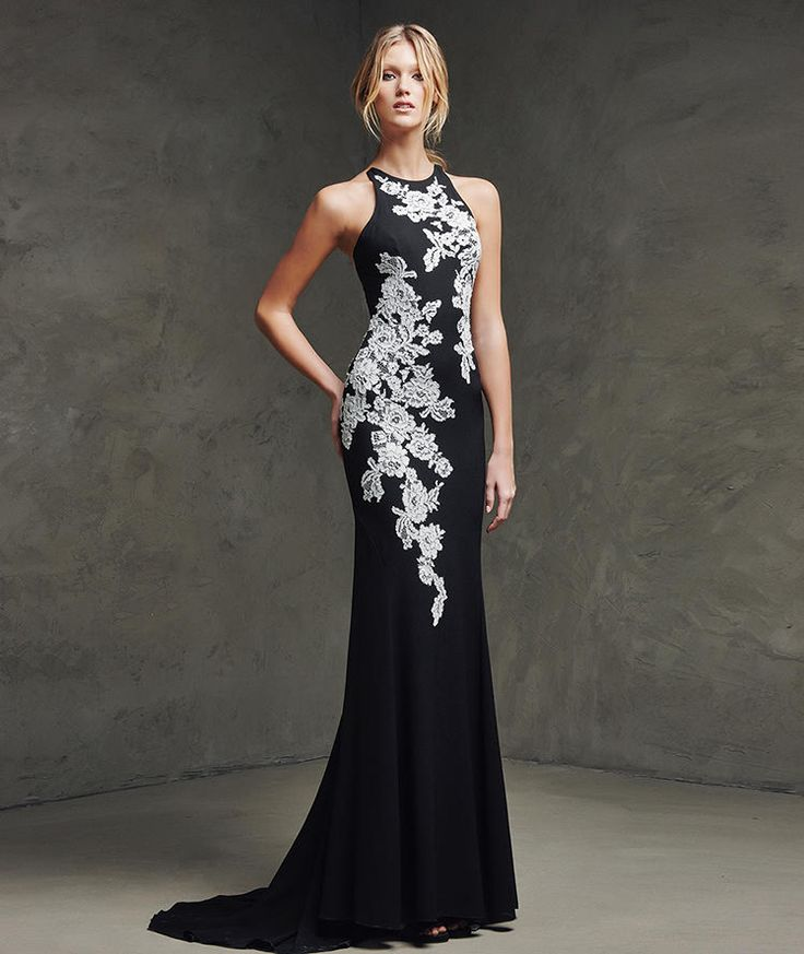 Laina, Festkleid aus Spitze mit Neckholder-Ausschnitt - Pronovias Evening Dresses 2016