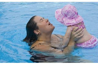 Games for Moms & Tots During Swimming Lessons