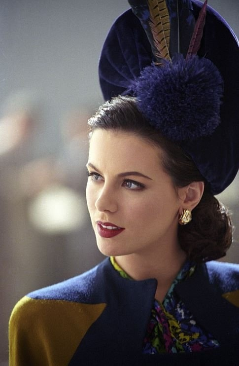 The Aviator film still fashion 40s vintage dress suit hat photo color blue yellow