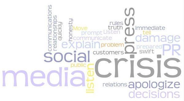 Sosyal medya krizini yönetirken atılması gereken önemli adımlar nelerdir?