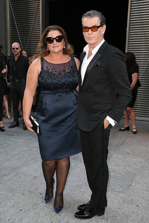 ... Photos - Pierce Brosnan And His Wife Keely Shaye Smith Shopping Paris