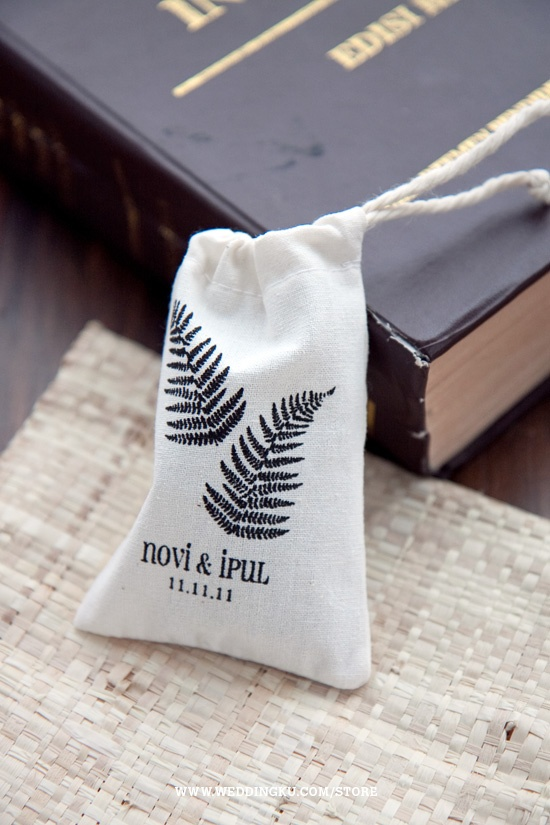 Cute screen printed fabric mini pouch for your wedding souvenir (fern)
