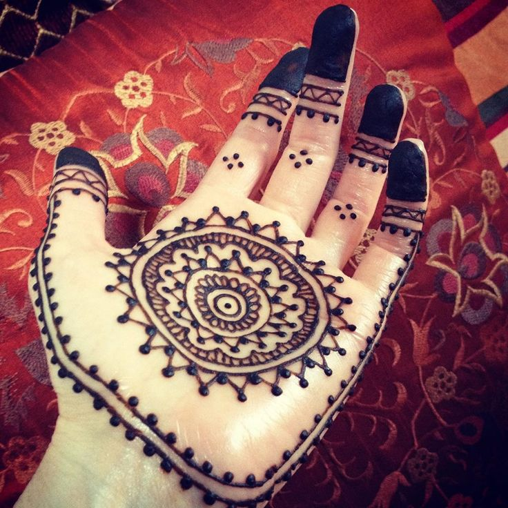 Henna palm mandala from MileHighHenna https://www.instagram.com/milehighhenna