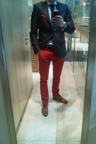 Tawny-zara-shoes-navy-zara-blazer-red-zara-pants