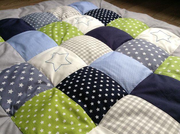 die besten 17 ideen zu krabbeldecke n hen auf pinterest patchworkdecke n hen patchworkdecke. Black Bedroom Furniture Sets. Home Design Ideas