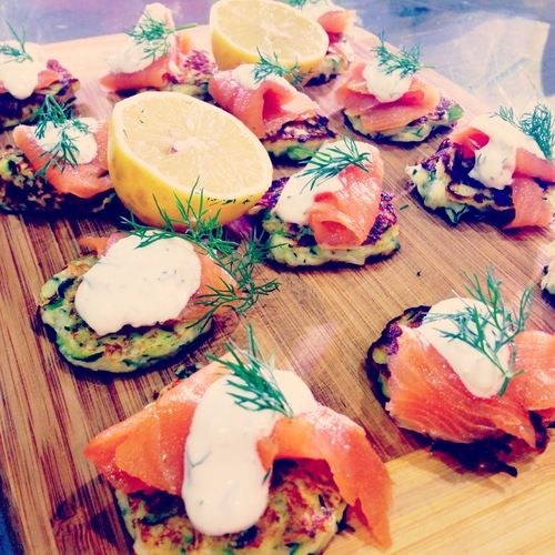 ZUCCHINI FRITTERS WITH SMOKED SALMON & DILL CREAM