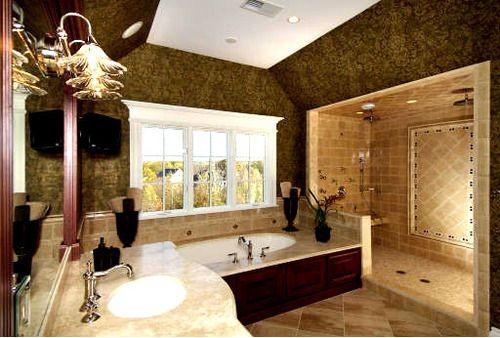 Great looking big bathroom!