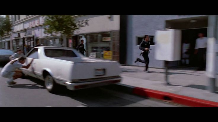 Reservoir Dogs - Mr Pink blasting his way out (HD)