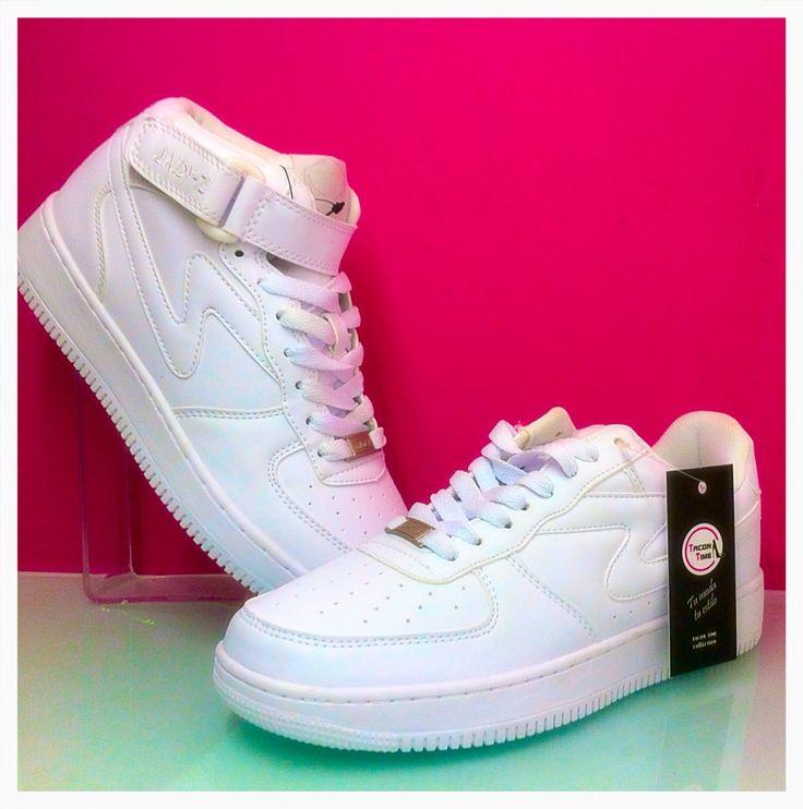 Andy-z estilo Nike bajita y tipo bota