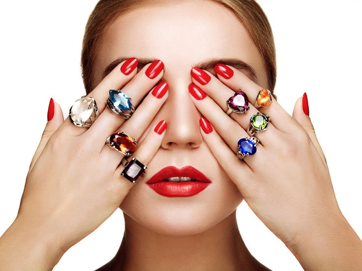 Kobieta, Makijaż, Czerwone Paznokcie, Kolorowe Pierścionki, Biżuteria