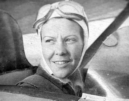 Sabiha Gökçen ( İlk kadın pilotumuz )