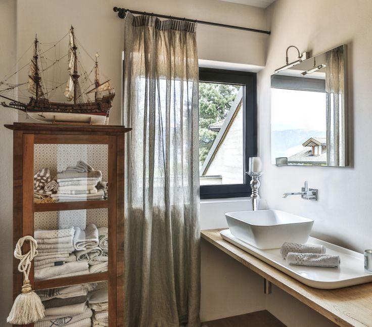 Che bagno il veliero porta i tuoi pensieri lontano finestra in legno alluminio a40 alpi - Finestra a due archi ...
