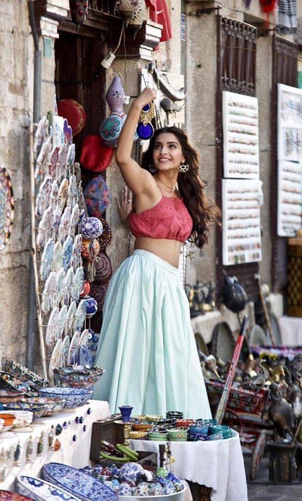 Sonam Kapoor during the making of Song Dheere Dheere from Aashiqui. #Bollywood…