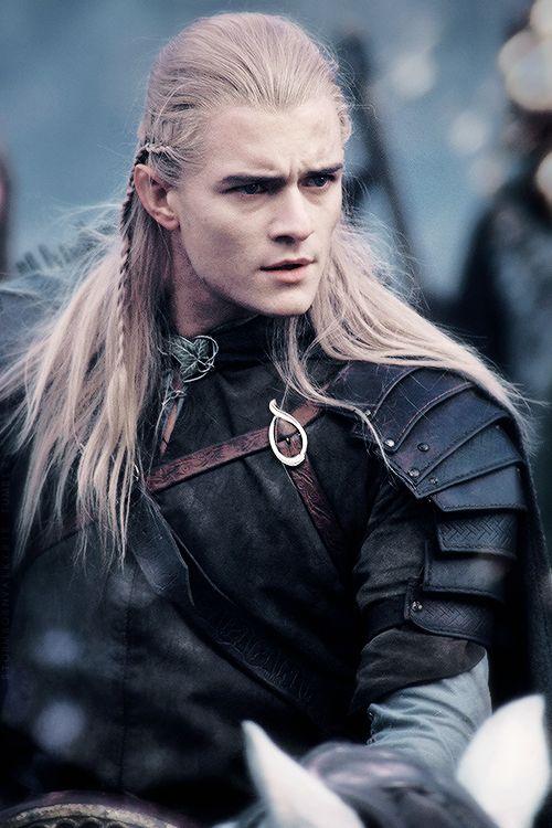 Legolas Greenleaf, dentro do universo de fantasia criado pelo escritor J.R.R. Tolkien, foi um elfo Sindar, filho de Thranduil, rei da Floresta das Trevas.