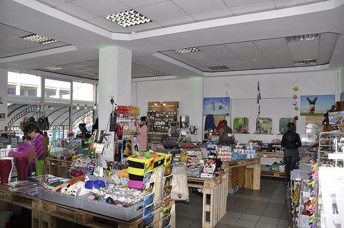 Impresii de la magazin Ronileu   #magazin #ronileu #drobeta-turnu #severin #cadou #smardan #vladimirescu #shop #us casnic #copii #gablonturi #papeterie #moda #decoratiuni #decor