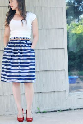 Very Homemade: Gathered Skirt with Waistband, Exposed Zipper, and Pockets; Oh My!