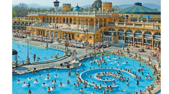 Un loc UNIC in Romania. Aquaparcul cu apă termală. Toate bazinele vor fi alimentate cu apă de la un izvor termo-salin