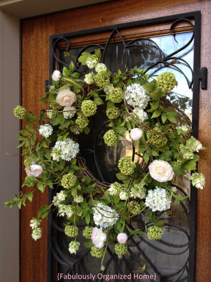 Spring Wreath {front door} | Fabulously Organized Home #wreath