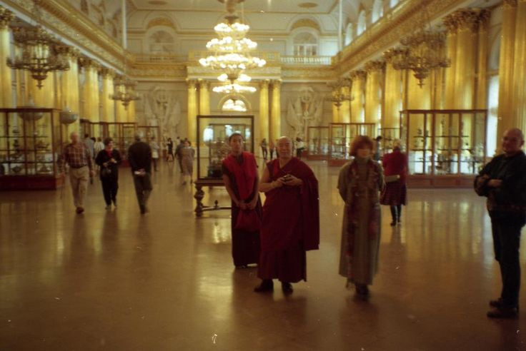 Kyabje Tenga Rinpoche in Winter Palast in Skt Petersburg 1994