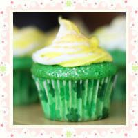 Lucky Green Velvet Baby Cakes s | All about cupcakes | Pinterest