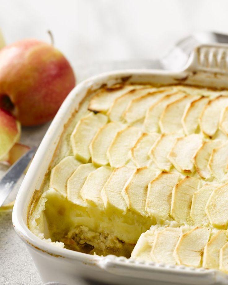 De lichte versie van hete bliksem, de bekende ovenschotel met gehakt, aardappelpuree en appeltjes. Gezond genieten!