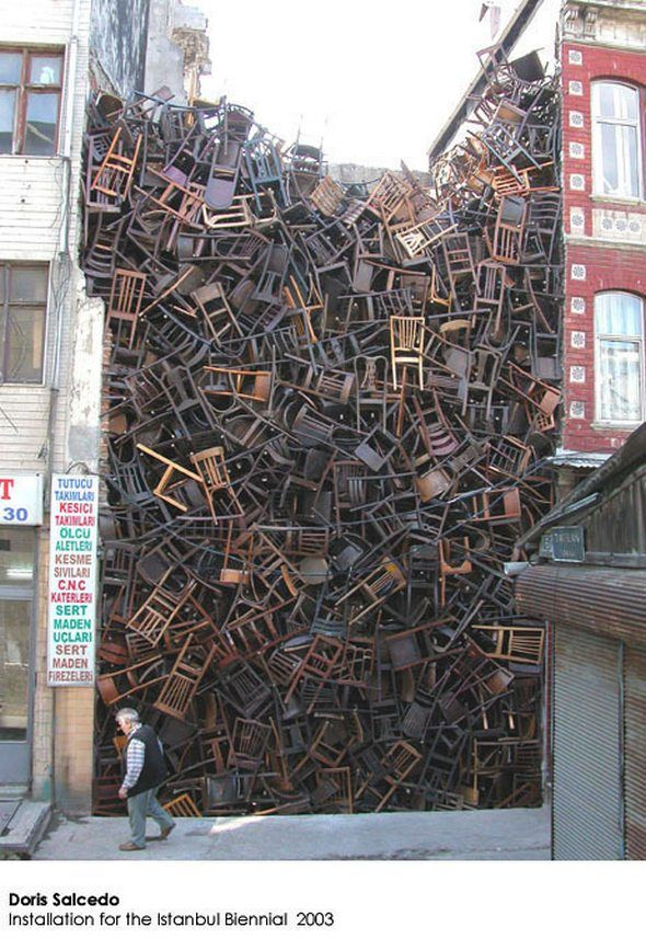 1600 chairs (2003) by Doris Salcedo, Istanbul