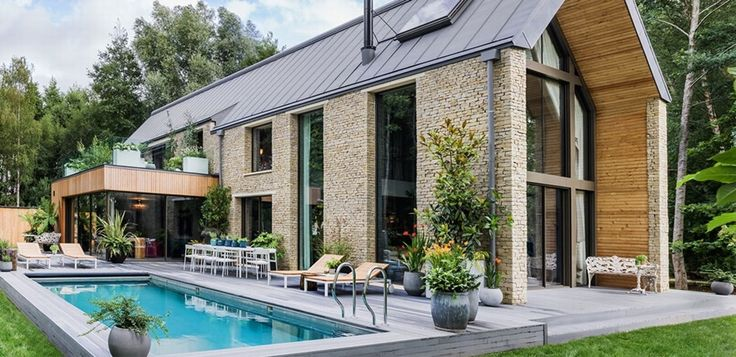 Binnenkijken in de villa die Kate Moss heeft ingericht - De Standaard