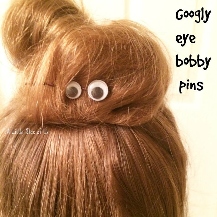 Make these cute, easy googly eye bobby pins to add a little Halloween touch to your hair this year!