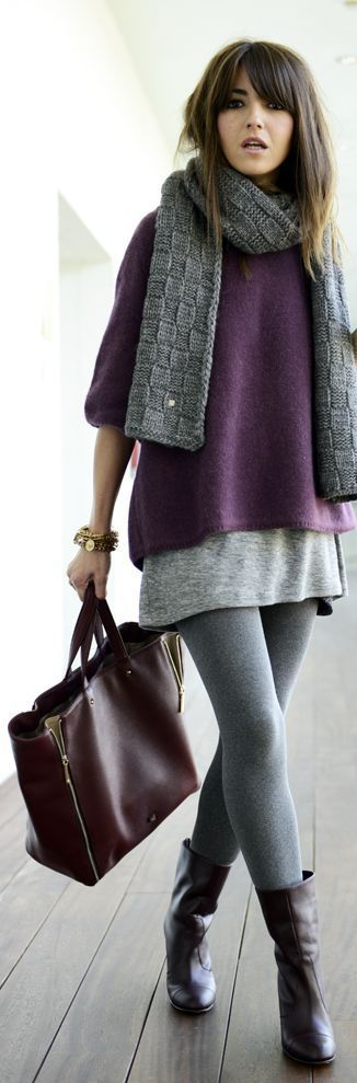 grey leggings, grey sweater and a purple one on top with a grey scarf!!