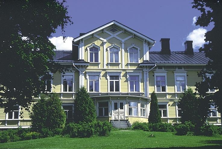 Kiiala Manor