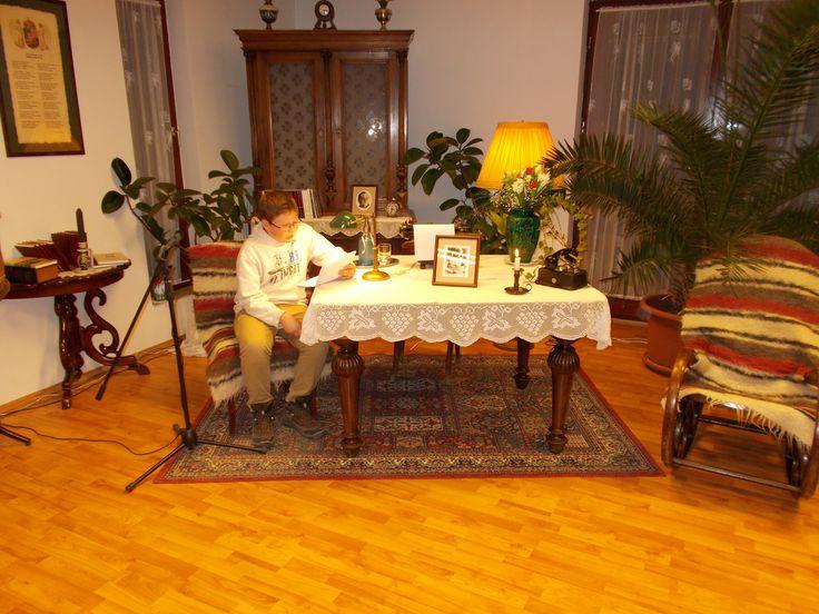 Képek a Wass Albert műveinek felolvasása Pomázon 25 órán át című rendezvényről.