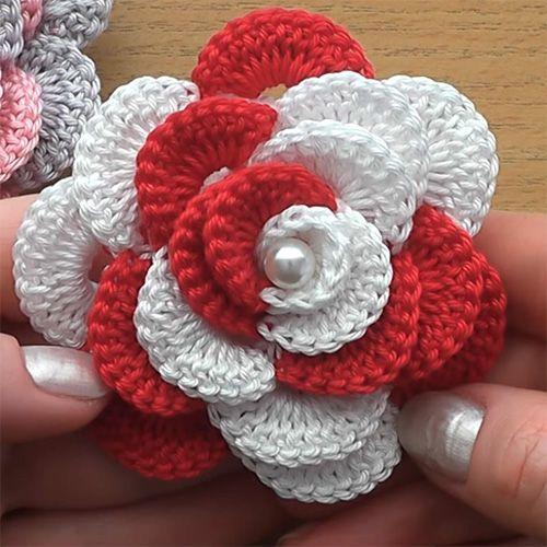 Crochet Flower RoseThis crochet pattern / tutorial is available for free... Full post: Crochet Flower Ros