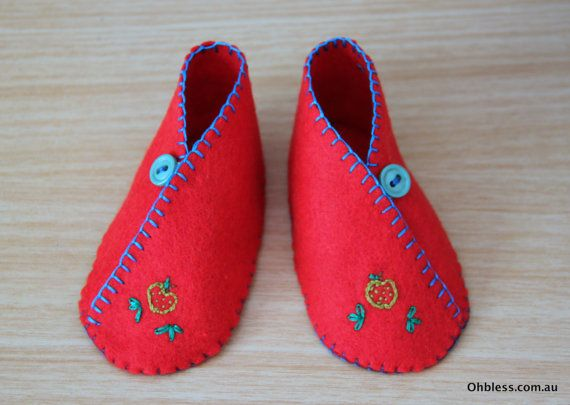Retro baby booties felt baby shoes hand embroidered. by OhBless