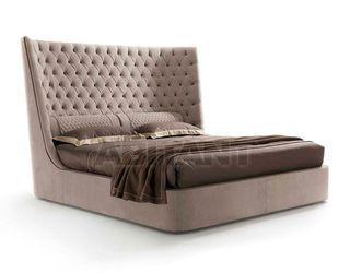 Кровать Medici - Vittoria Frigerio by Frigerio Poltrone e Divani - VF50325 - прямоугольная, без изножья, без ножек, из дерева, без ниши для белья, двуспальный, с мягким изголовьем, с изголовьем, из