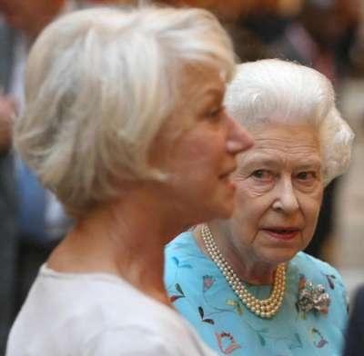 The queen and... the queen.Queen Elizabeth, Royal Families, Performing Art, The Queens, Buckingham Palaces, Helen Mirren, Eartha Kitt, Elizabeth Ii, Queens Elizabeth