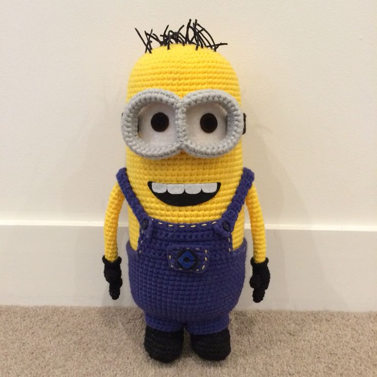 Crochet Minion. Pattern adapted from allaboutami.