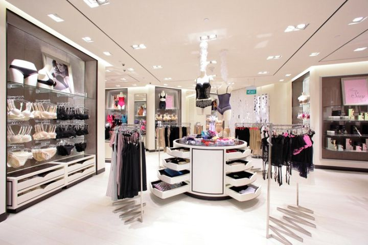 LINGERIE STORES! Robinsons boutique at Marina Bay Sands, Singapore store design