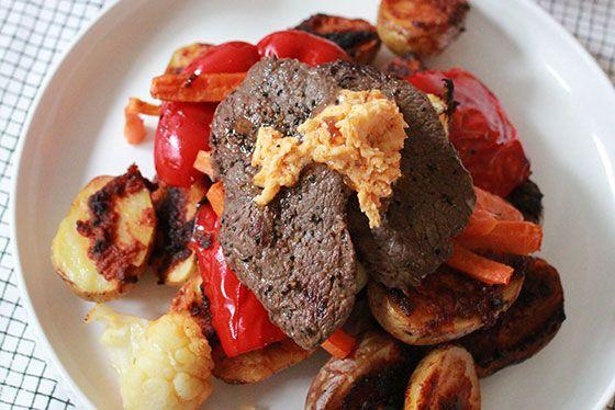 Grillad rostbiff med tikka masala griljerad potatis