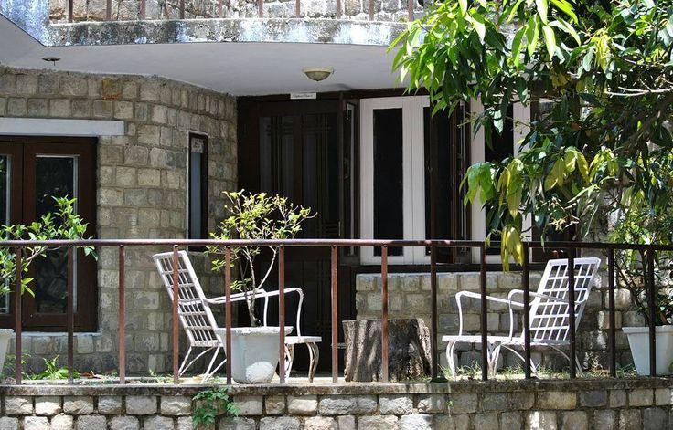 Tidak memiliki banyak waktu untuk membersihkan halaman rumah anda? ada kami @sapubersih.id lakukan survey untuk menentukan harga.