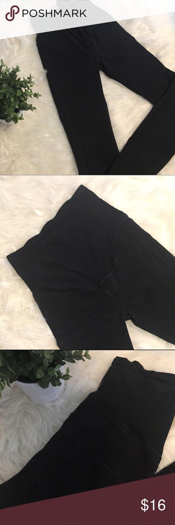 H&M MAMA Black Maternity Skinny Jeans H&M MAMA Black Maternity Skinny Jeans in great condition. Extremely comfortable. Pet & Smoke Free Home. H&M Jeans Skinny