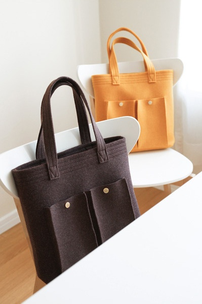 Mala em feltro. Design Escandinavo. Felt shopper bag. Scandinavian design.540x380mm.