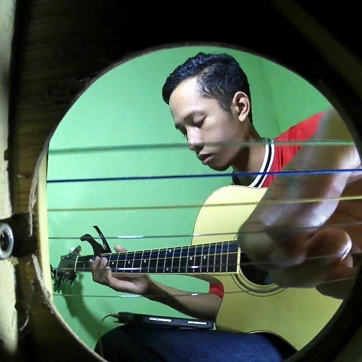My Heart Will Go On - guitar fingerstyle���� �� Lanjutan dari video sebelumnya  #myheartwillgoon #guitar #Fingerstyle #cover #song #soundtrack #titanic ���� #theme #indonesia #guitarist #indovidgram #inshot #instagood #instagramer #musicvideo #music #musikituindah #bpro5 #thanksforlistening #thanksforwatching #like4like #likeforlike http://butimag.com/ipost/1558375891368984981/?code=BWgdp3XlMGV