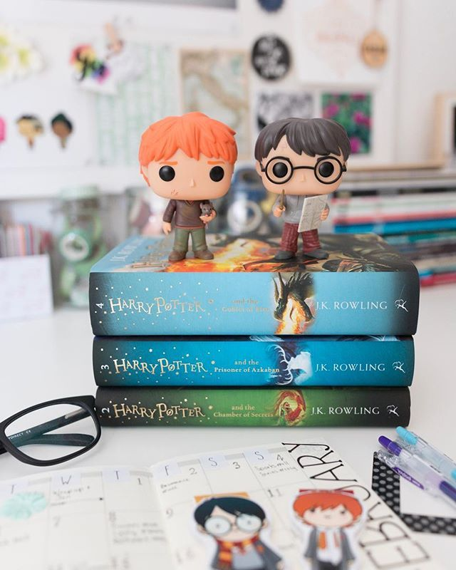 Ive read two fab books this week. Plus back into work. Busy! Had such a nice weekend just hanging out with my dearly beloved and moochy cats. So nice. - - Harry Potter! Im a fan and Im loving my new hardcovers. A most excellent Christmas present  Super spoilt. - - - - - - - - - - #skrfebruary - #magneticbookmark  #febinbooks18 - #bookmarks  #weheartpotterchallenge - #ronandharry  #bookreadhappyhour - #bookfriends  #rosytaleslovelists - #bookseries #harrypotter #potterhead  #allthebooksfeb…