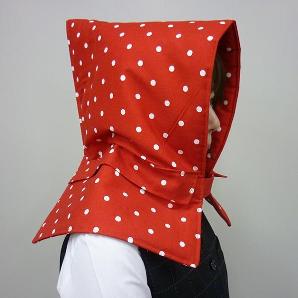 防煙用のマスクを入れておくポケットを追加!レシピの手順2-①にポケット生地のおもてを上に向けて縫いつけました。  Added a pocket for storing a smoke mask. At step 2-(1), stitch a pocket as its front side facing up.   #レシピアレンジ #firepreventionhood #hood #chaircover #handmade #手づくり #ジャガーミシン #防災ずきん #通園グッズ #チェアカバー #recipearrangement