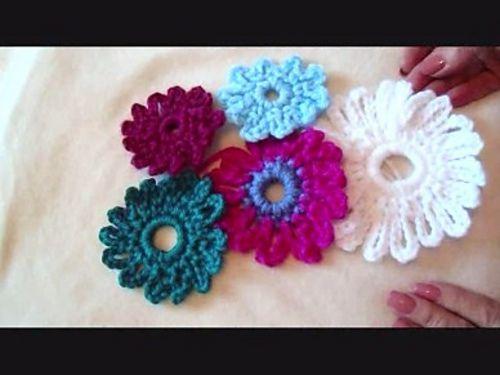 111 best fleurs feuilles tricot crochet flowers leaves easy yt flower by emi harrington free for one week no code needed fandeluxe Images
