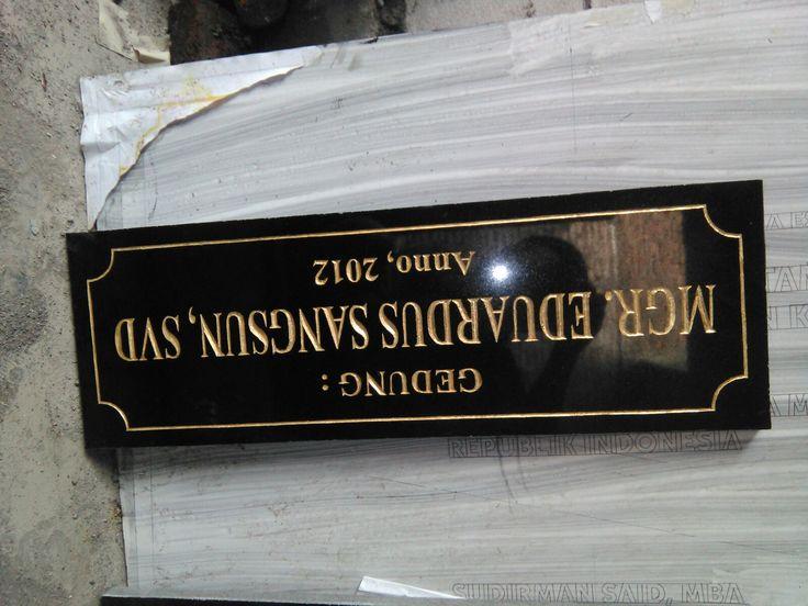 Papan nama granit harga kompetitif sudah pasti terjanggau dan sangat berkualitas,  Kontak KAMI : 081357603030