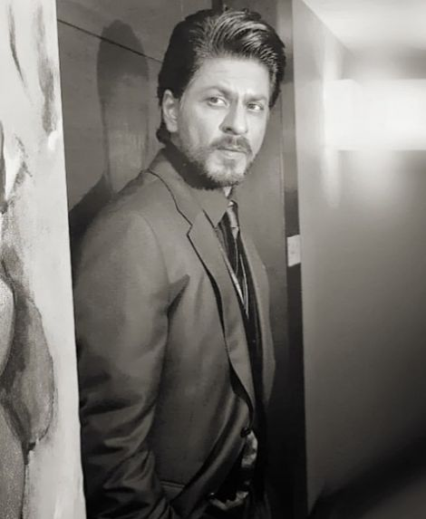 shahrukh khan news | Shahrukh Khan Hot or Not? Rocks a French Beard in Casablanca [PHOTOS ...